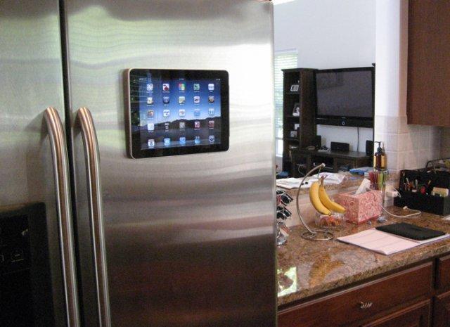 Hang je ipad op in de keuken of slaapkamer met de padtab for Keuken ontwerpen op ipad
