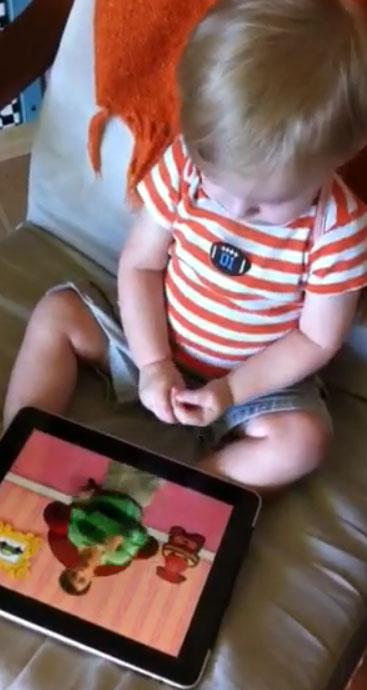 Grappig: Peuter van 1 demonstreert iPad