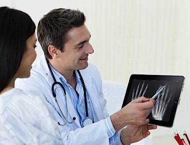 Apple wil medici massaal aan de iPad