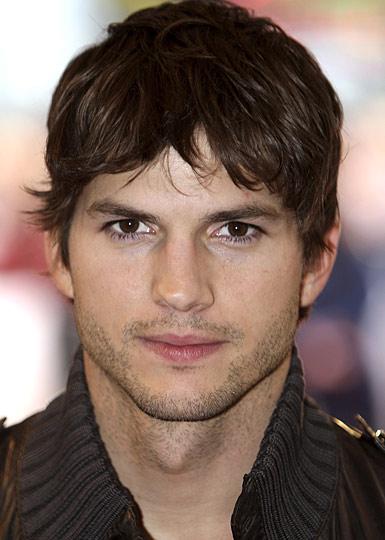 Ashton Kutcher speelt Steve Jobs in film Jobs